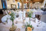 Tischdeko in Aprikot – Zauberfee – Hochzeiten, Events & freie Reden
